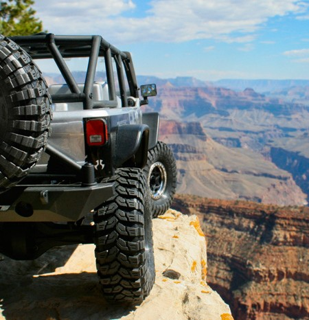 ax90028_axial_scx10_jeep_rtr_grand_canyon_950